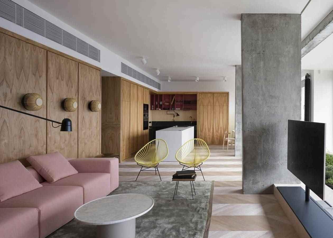 AFM. Interior
